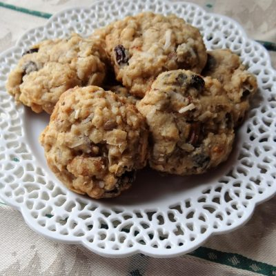 Old Fashioned Oatmeal Raisin and Coconut Cookies