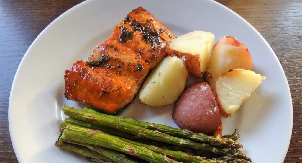 Easy Balsamic Glased Salmon
